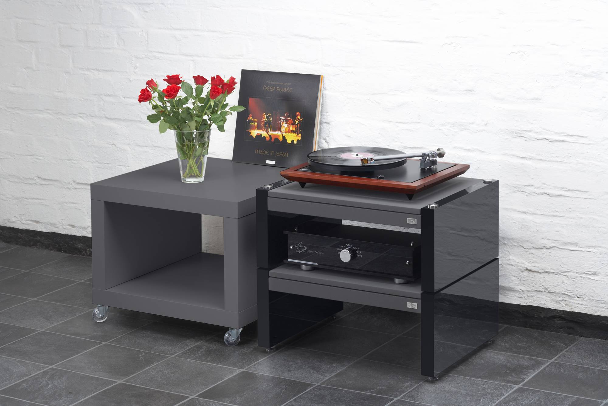 smd ultimate audiophile hifi rack thixar. Black Bedroom Furniture Sets. Home Design Ideas